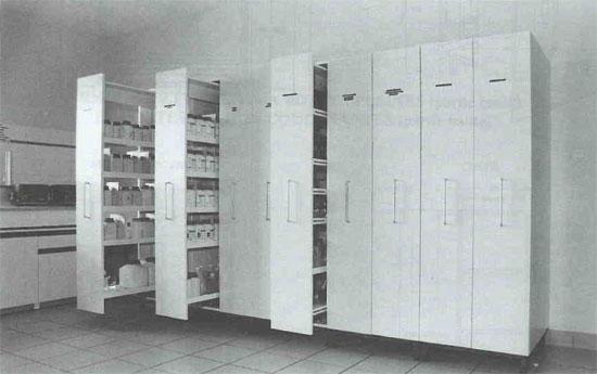Armoire a tiroirs verticaux coop labo for Coop meubles